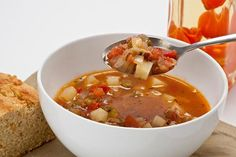 A Surprise from the Sunshine State: Minorcan Clam Chowder Recipe; need to find a Datil pepper to make this! Clam Chowder Recipes, Fish Chowder, Chowder Soup, Best Soup Recipes, Fish Recipes, Recipies, Pepper Recipes, Favorite Recipes, Manhatten Clam Chowder
