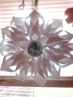 Toinen paperi tähti ornamentti