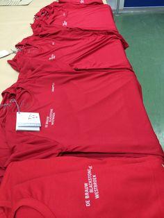 Aan advocatenkantoor De Brauw Blackstone Westbroek hebben we ondermeer deze bedrukte Craft-shirts geleverd.