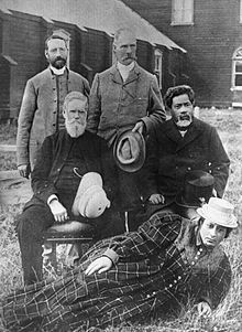 Hamuera Tamahau Mahupuku, seated on the right, (1842-14 January 1904) was a New Zealand tribal leader, runholder, assessor and newspaper proprietor. Of Māori descent, he identified with the Ngāti Kahungunu iwi. He was born in the Wairarapa, New Zealand (either at Rangataua, near Longbush, or at Pahaoamy) in c.1842 Maori People, Newspaper, New Zealand, Past, Cool Stuff, January, Past Tense, Maori, Journaling File System