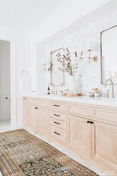 Light stained oak washstand under white shaker cabinets surrounding mixed metals in a transitional bathroom. Light stained oak washstand under white shaker cabinets surrounding mixed metals in a transitional bathroom. Bad Inspiration, Bathroom Inspiration, Home Decor Inspiration, Decor Ideas, Decorating Ideas, Decorating Websites, Casa Hipster, Decoracion Vintage Chic, Bathroom Renos