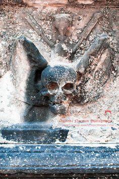Winged Skull  #mementomori #GothicHorror #Skull #headstonesymbols #headstone #gravestone #tombstone #graveyard #cemetery #graveyardphotography