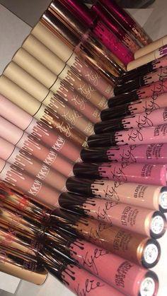 Kylie Makeup, Mac Makeup, Makeup Goals, Skin Makeup, Makeup Cosmetics, Makeup Brushes, Kylie Jenner Lipstick, Kylie Jenner Makeup Products, Makeup Tips