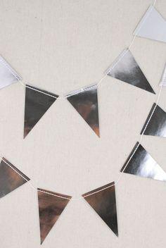 Mini Banner Silver 10ft (32 Pennants)