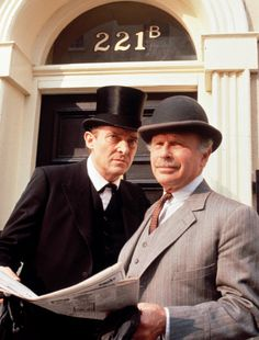 """Edward Hardwicke, right, played Dr. Watson to Jeremy Brett's Sherlock in several television series, including """"The Return of Sherlock Holmes,"""" """"The Casebook of Sherlock Holmes"""" and """"The Memoirs of Sherlock Holmes"""" in the 1980s and '90s. (Frank Goodman)"""