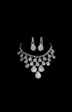 Fancy bridal jewelry set!