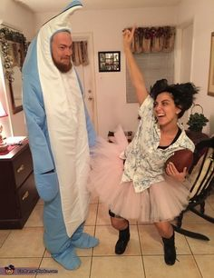 24 couples halloween costumes that are anything but cheesy - Ace Ventura Halloween Costumes
