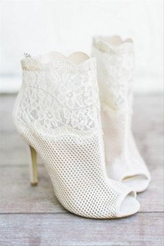 20 Granny Chic Wedding Ideas to Try If You Love Pastels and Flowers - Lace wedding booties {Joy n Company}