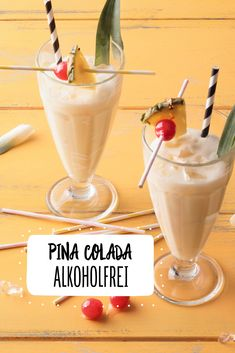 Alkoholfreie Pina Colada - Alkoholfreie Pina Colada Estás en el lugar co - Easy Alcoholic Drinks, Drinks Alcohol Recipes, Pina Colada Mocktail, Recipe To Make Chocolate, Homemade Iced Tea, Smoothies, Matcha, Cocktail Drinks, Drink Recipes