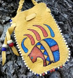 Your place to buy and sell all things handmade Hona-wungwa Medicine Bag<br> Native American Regalia, Native American Beadwork, Beaded Purses, Beaded Bags, Native American Medicine Bag, Beadwork Designs, Leather Workshop, Nativity Crafts, Bead Loom Bracelets