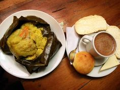 Strong as as lunch and delicious without question. Colombian breakfast are unique and tasty. Can you recognize all these breakfasts? Tamales, Colombian Breakfast, Colombian Food, Tasty, Yummy Food, Chocolate, Food Items, Guacamole, Breakfast Recipes