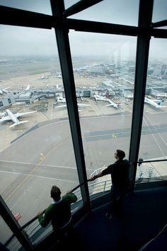 London Heathrow air traffic control (LHR)