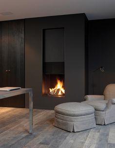 Classique ou contemporain, chaque foyer De Puydt est un modèle de classe et d'élégance. Une chaleur enlaçante et un rayonnement élégant constituent le cadre pour transmettre la vie. Le plaisir de l'architecture commence auprès du foyer.