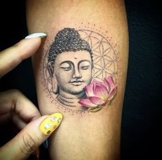 on Buddha tattoo done by artist lucylululu Tattoo Wien, Lotusblume Tattoo, Tattoo Fonts, Buddha Tattoos, Buddha Tattoo Design, Buddha Lotus Tattoo, Floral Thigh Tattoos, Foot Tattoos, Body Art Tattoos