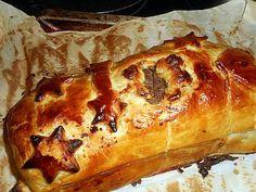 La meilleure recette de Filet de boeuf en croute foie gras! L'essayer, c'est l'adopter! 5.0/5 (7 votes), 11 Commentaires. Ingrédients: Un filet de boeuf de 1 kg 2 environ,200 gr de foie gras, 2 rouleaux de pate feuilletée, une cac de poivre concassé,5 cl de cognac, 20 cl de jus de veau, 5 cl de madére,graisse de canard,thym,un jaune d oeuf,une cas de lait, ficelle de cuisine
