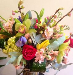 Make someone's morning beautiful and smiling with this lovely arrangement. Incredible explosion of many colors and flavors of spring flowers chaenomeles californica, lilies, irises, orchids, roses, hydrangeas, which will bring great mood during the day. #flowershop #flowergifts #flowerweekly #florist #flowerdesign #nycflorist #manhattan #bouquets #flowers #arrangement #roses #hydrangea #roses #orchids #irises #lilies #chaenomeles #spring #nyc