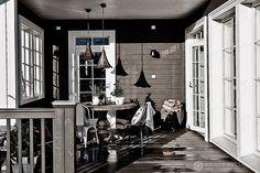 Una casa con mucho estilo. black-white-grey http://www.elpaisdesarah.com/2014/10/una-casa-con-mucho-estilo.html