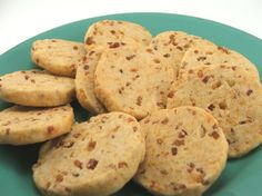 Yes, Cheddar Bacon Cookies. Now, before you ask, no this is not a sweet cookie. It is a savoury cookie perfect for appetizers for serving with a salad Bacon Cookies, Cheese Cookies, Sweet Cookies, Baking Recipes, Cookie Recipes, Snack Recipes, One Bite Appetizers, Savoury Baking, Savory Snacks