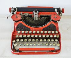 Vintage typewriter for sale!