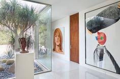 Contemporain Couloir by Studio William Hefner