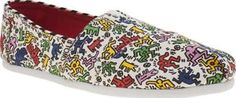 TOMS Multi Classic Keith Haring Womens Flats TOMS celebrate the politically-charged pop art of the late and great Keith Haring, as the Classic Pop arrives. The white fabric upper is adorned in a vibrantly multi-coloured print of the artists sign http://www.comparestoreprices.co.uk/january-2017-8/toms-multi-classic-keith-haring-womens-flats.asp