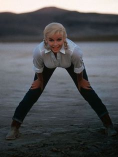 yes, Marilyn wore jeans