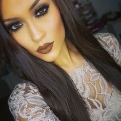 Makeup smokey eye, dark lips; Too Faced Semi-Sweet Palette, Coloured Raine liquid lipstick truffle