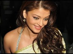Actor Aishwarya Rai Bachchan has donned a Devi avatar for her latest showbiz outing. In a photo-op for a jewellery brand she endorses, Ash looks slimmed down and raring to go. The advertisement features Ash striking a pose reminiscent of goddess Lakshmi. Ash poses sensually, flaunting a notably curvaceous figure that seems to be a stark departure from the post delivery oodles of weight that she had only a while ago.