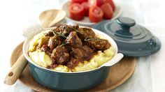 In en om die huis: Curried Beef and Mushrooms with Golden Mash Potato Recipes, Meat Recipes, Cooking Recipes, Skillet Recipes, Recipies, Curry In A Hurry, South African Dishes, Butternut Soup, Beef Curry