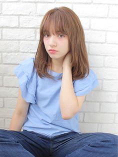 この画像は「憧れはジェーン・バーキン。シースルーバングでつくる♡お色気♡無造作ヘア」のまとめの7枚目の画像です。
