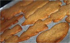 Glutenfrie Pepperkaker | Oppskrifter Raw Food Recipes, My Recipes, Crisp, Om, Treats, Vegan, Cookies, Baking, Desserts