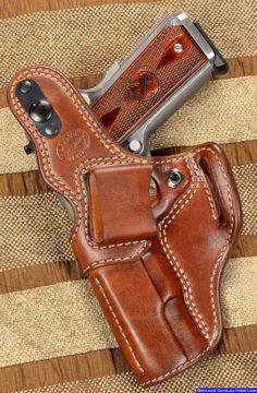 Back side of the Hoplon gun holster for a 1911 Pistol-SR 1911 Leather Holster, 1911 Holster, Custom Leather Holsters, Pistol Holster, 1911 Pistol, Colt 1911, Revolver, Western Holsters, Concealed Carry Holsters