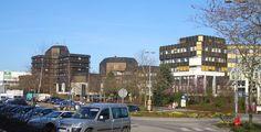 Sankt Augustin (Nordrhein-Westfalen): Sankt Augustin ist eine Stadt im Rhein-Sieg-Kreis, Nordrhein-Westfalen, Deutschland. Sie entstand bei der nordrhein-westfälischen Gebietsreform 1969 und liegt im Verdichtungsraum Bonn. Namensgeber ist der Schutzpatron der ansässigen Steyler Missionare, der heilige Augustinus (* 354; † 430).
