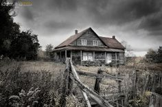 Cool abandoned farmhouse. probably used digital matte on this photo