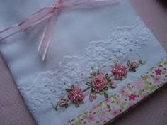 Risultati immagini per bordados rococo Silk Ribbon Embroidery, Embroidery Applique, Cross Stitch Embroidery, Embroidery Patterns, Machine Embroidery, Sewing Crafts, Sewing Projects, Embroidered Towels, Decorative Towels