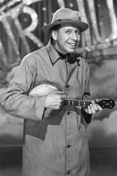 George Formby 11x17 Mini Poster singing with ukelele