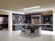 Il taglio sartoriale di ogni cucina contraddistingue l'unicità di questo modello.