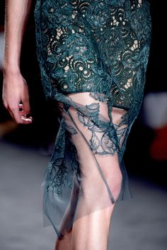 Vera Wang Spring 2013 RTW - Details - Collections - Vogue