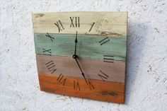 reclaimed wood beach clock for vacation home, wood wall clock in hand painted in earth tone colors Pallet Clock, Diy Pallet Wall, Pallet Crafts, Pallet Art, Pallet Wood, Diy Wood, Art Mural Palette, Palette Diy, Diy Clock