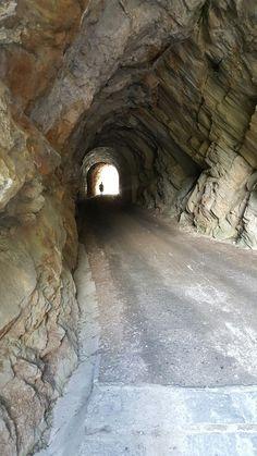 Lago Ritom 7- Rocky tunnel.