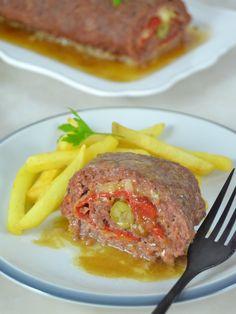 Rollo de carne picada relleno de jamón y queso. receta fácil paso a paso con vídeo