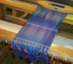 "Tip from Laura Fry :the header picks (the very first picks on any warp): if you take them out and around the apron bar, the edges will not curl, will not become too tight - will, in fact, help setting things straight faster"" __ via Kerstin (bergdalaspinnhus.com)"