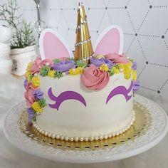 . #xuxucakes #vamosadocaromundo #naked #nakedbrigadeiro #nakedcake #brigadeiro #cake #bolopelado #bolodeaniversario #bolo #ganache #ninho #bolodeninho #docinhos #sweet #sweetdreams #bologourmet #nakeddecorado #nakedcake #brigadeiro #cake #chantilly #bolounicornio #unicornio #cakeunicorn #cakeunicornio