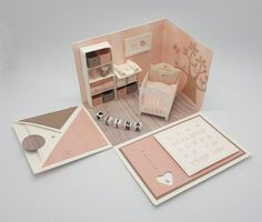 825 Explosion Box Baby 2019 825 Explosion Box Baby meinestoeberseite The post 825 Explosion Box Baby 2019 appeared first on Flowers Decor. Memories Box, Origami Box, Paper Crafts Origami, Birthday Explosion Box, Cricut Baby Shower, Explosion Box Tutorial, Exploding Box Card, Boxes And Bows, Pop Up Box Cards