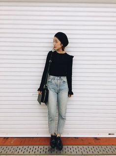 DENIM以外はオールブラックで 甘くなりすぎずシンプルに着てみました!  どんなスタイリングでも合うので これからの時期着回しできるアイテムです❤︎