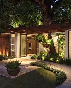New exterior house design modern simple ideas Backyard Patio, Backyard Landscaping, Landscaping Ideas, Backyard Ideas, Modern Landscaping, Garden Ideas, Home Interior Design, Exterior Design, Lobby Interior