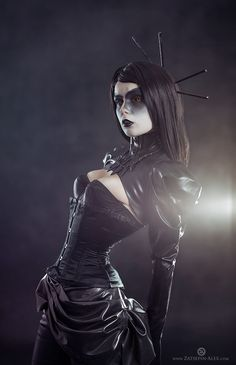 Not that I have anything to pull this off...but I love the dark look. Acuteness by Elisanth