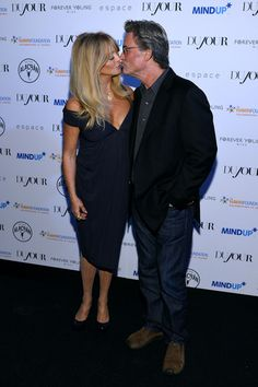 Goldie Hawn Photos - Actors Goldie Hawn and Kurt Russell attend DuJour's Jason Binn and Kurt Russell's celebration of Goldie Hawn and The Hawn Foundation at Espace on September 2013 in New York City. - Stars Celebrate the Hawn Foundation in NYC Forever Young, Forever Love, Celebrity Couples, Celebrity News, Goldie Hawn Kurt Russell, Russell Young, Never Getting Married, Pictures Of The Week, Famous Couples