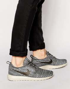 2add596005eb Nike Flyknit Roshe Run Trainers Roshe Run