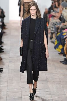 Michael Kors New York - Collections Fall Winter - Shows - Vogue. Runway Fashion, High Fashion, Winter Fashion, Fashion Show, Fashion Black, London Fashion, Fashion Fashion, Fashion Women, Michael Kors Coats